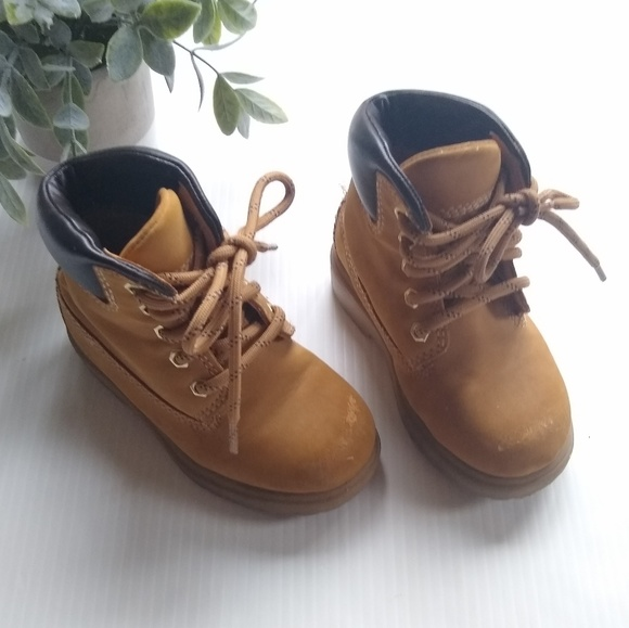 Timberland style toddler boy boots sz 6.5